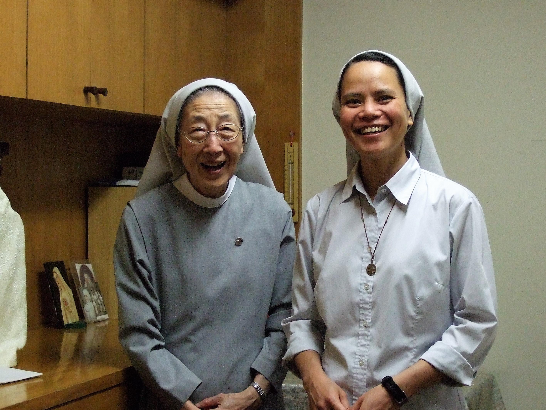 熊本修道院の姉妹たち